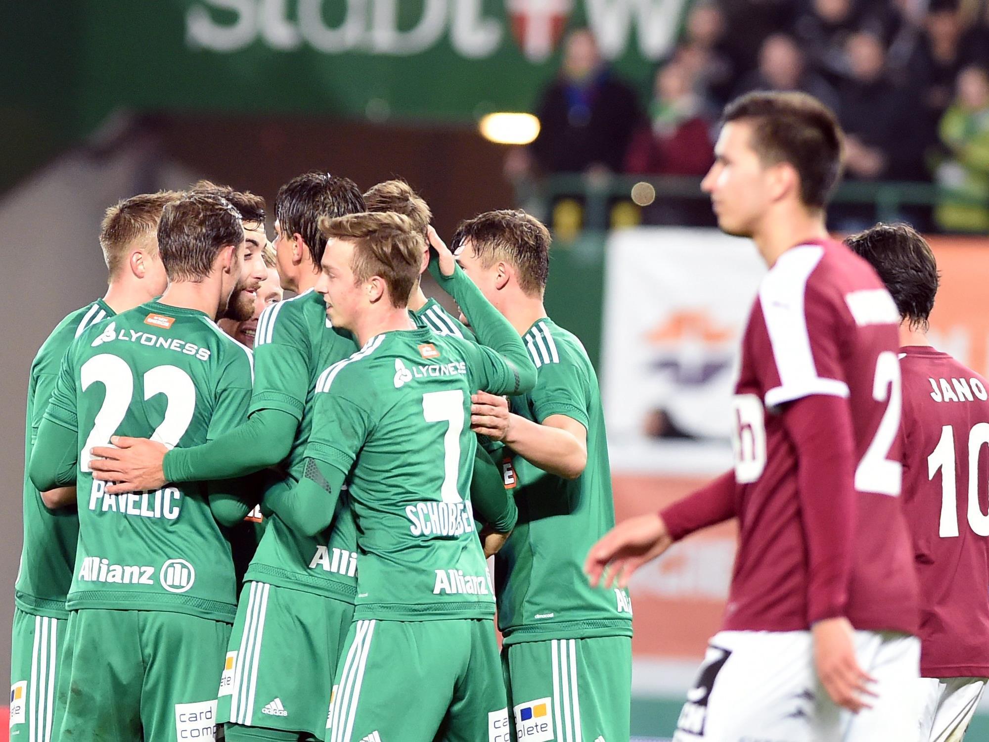 Jubelnde Rapidler, enttäuschte Mattersburger am Mittwochabend im Happel-Stadion.