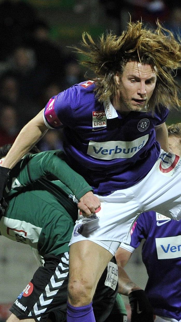 Lukas Rotpuller (m.) erzielte den zwischenzeitlichen Ausgleich.