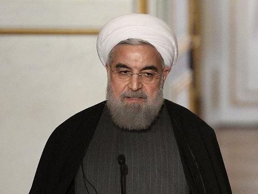 Der iranische Präsident Rouhani wird nicht nach Wien kommen - die Gerüchteküche brodelt.