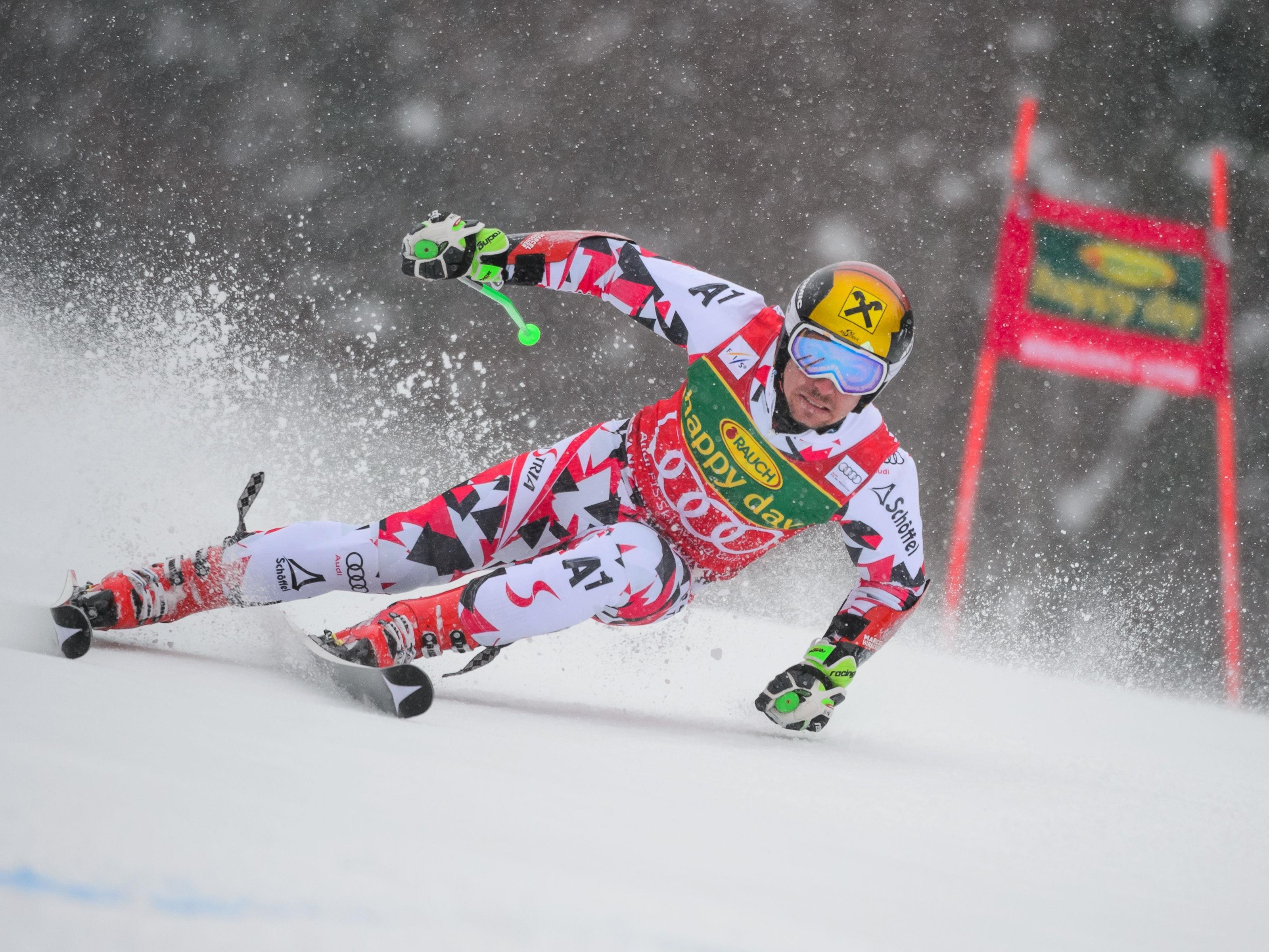 Marcel Hirscher sichert sich in Kranjska Gora seinen fünften Sieg im Gesamtweltcup.