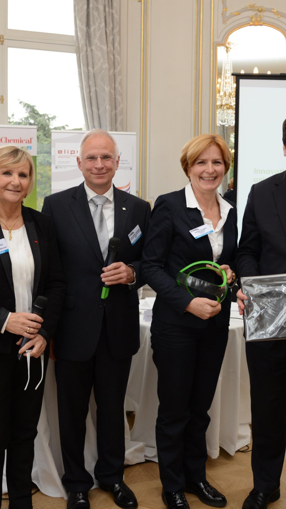 Im November 2015 erhielt ALPLA den PackTheFuture-Award in Paris verliehen. Der Award hat das Ziel, das Innovationspotenzial und die Nachhaltigkeit von Kunststoffverpackungen in Europa bekannter zu machen.