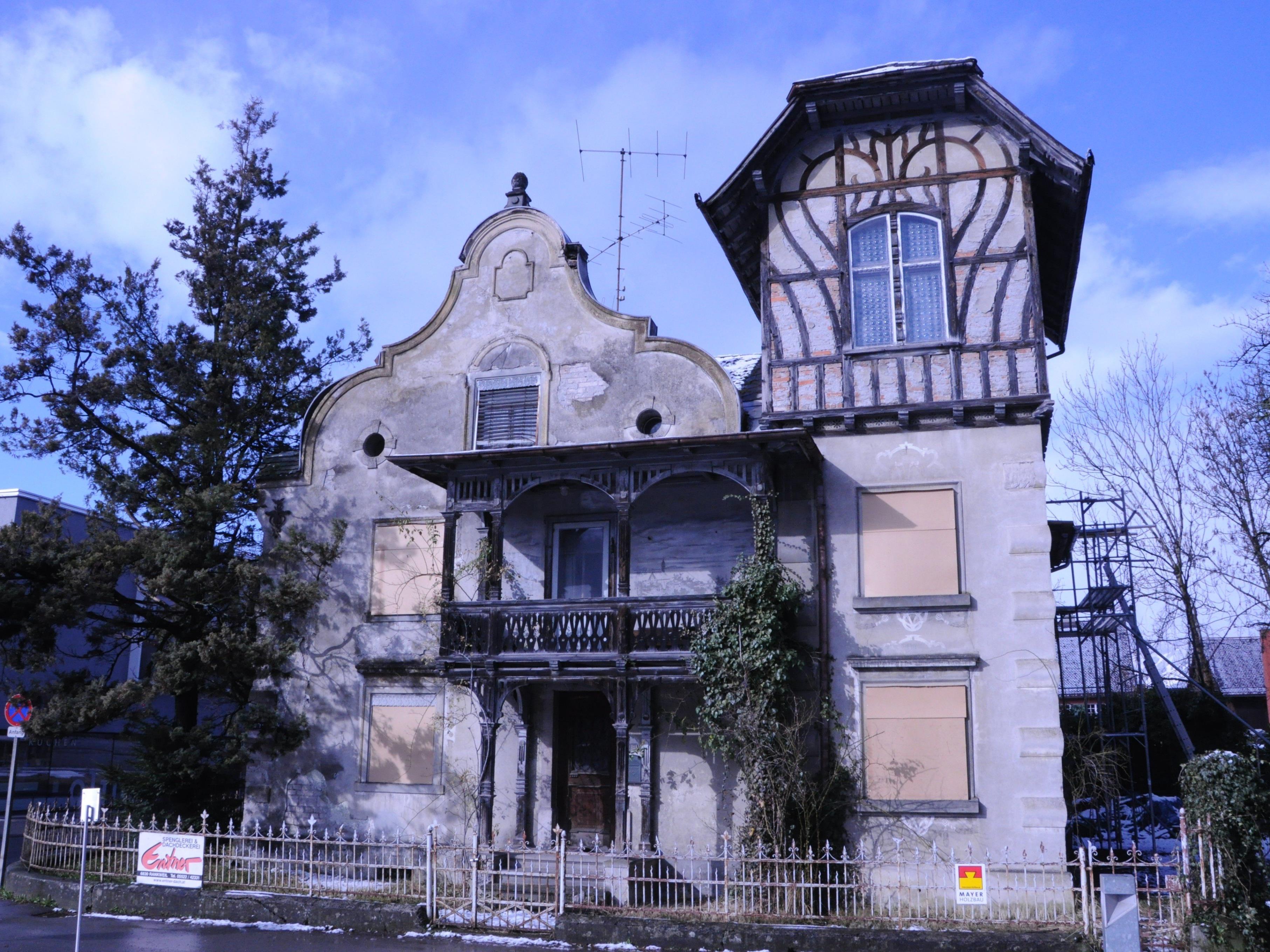 Die Notmaßnahmen an der Denkmal geschützten Häusle Villa wurden abgeschlossen.