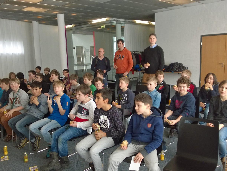 Die Schüler der Klassen 1a und 1b des Privatgymnasium Mehrerau bekamen einen Einblick in die heimische Medienlandschaft.