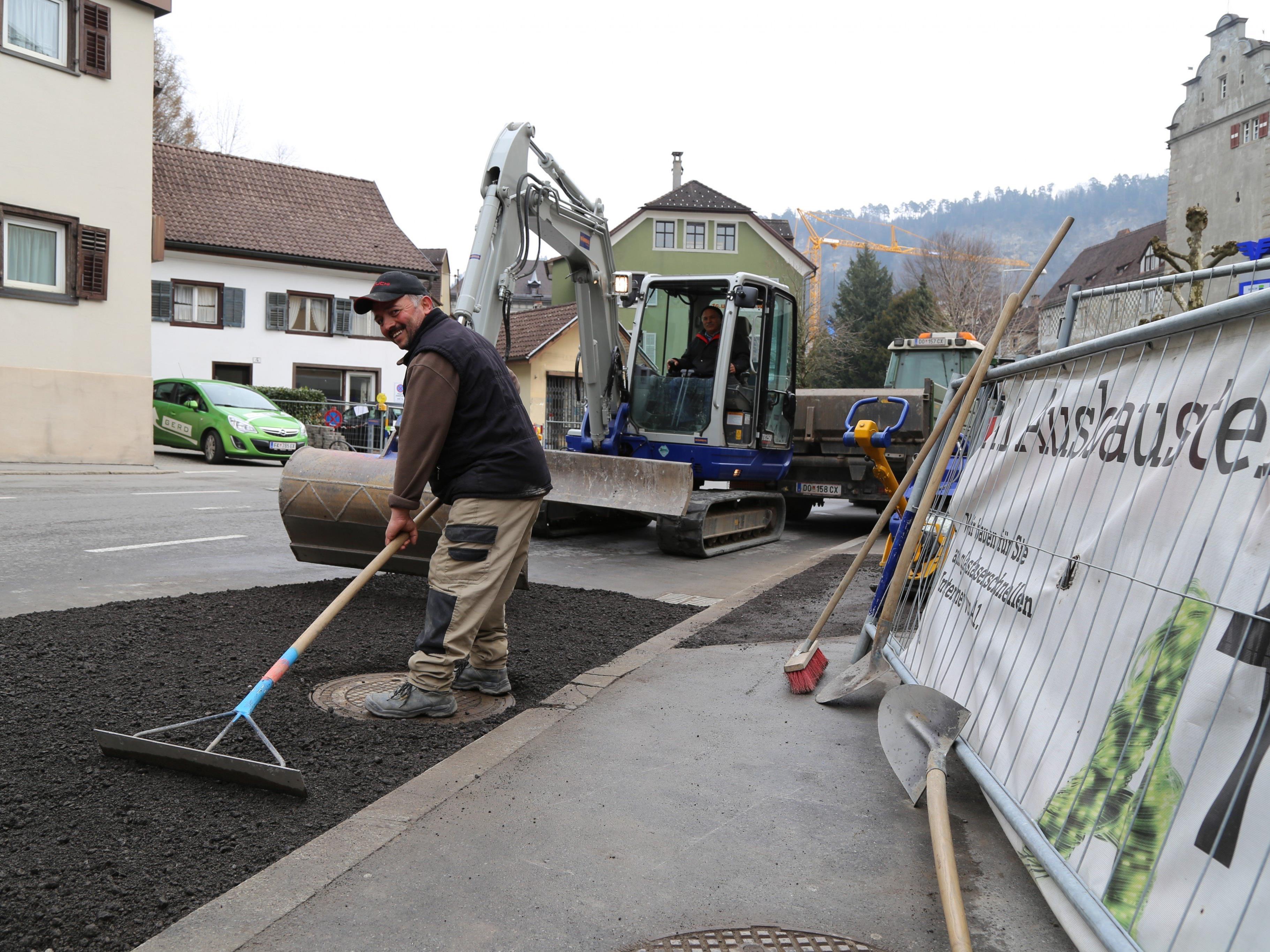 Ausbau für Internetangebot führt zu Bauarbeiten in ganz Feldkirch. Kürzlich starteten die Arbeiten in der Churer Straße.