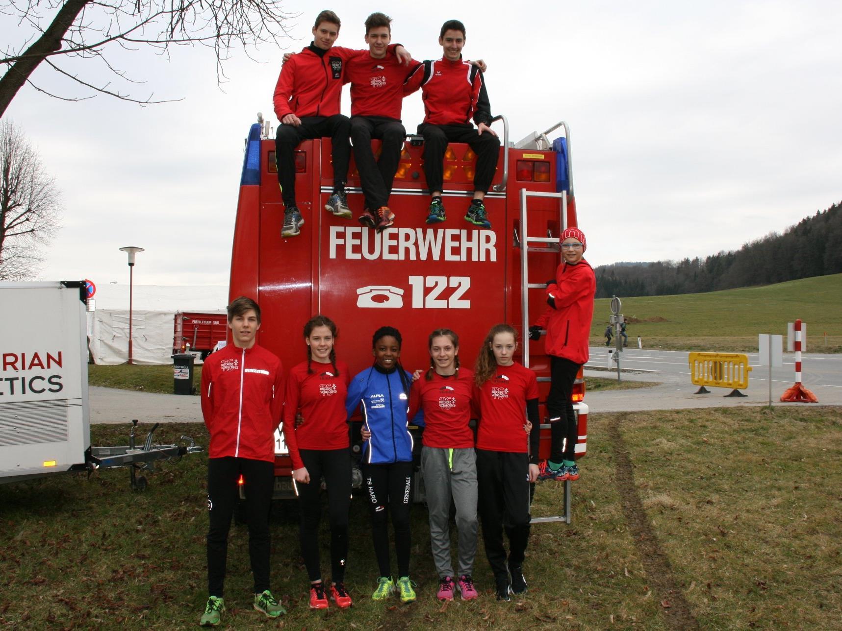 Die Teilnehmer der TS Bregenz-Vorkloster an den Crosslauf-Titelkämpfen in Köflach.