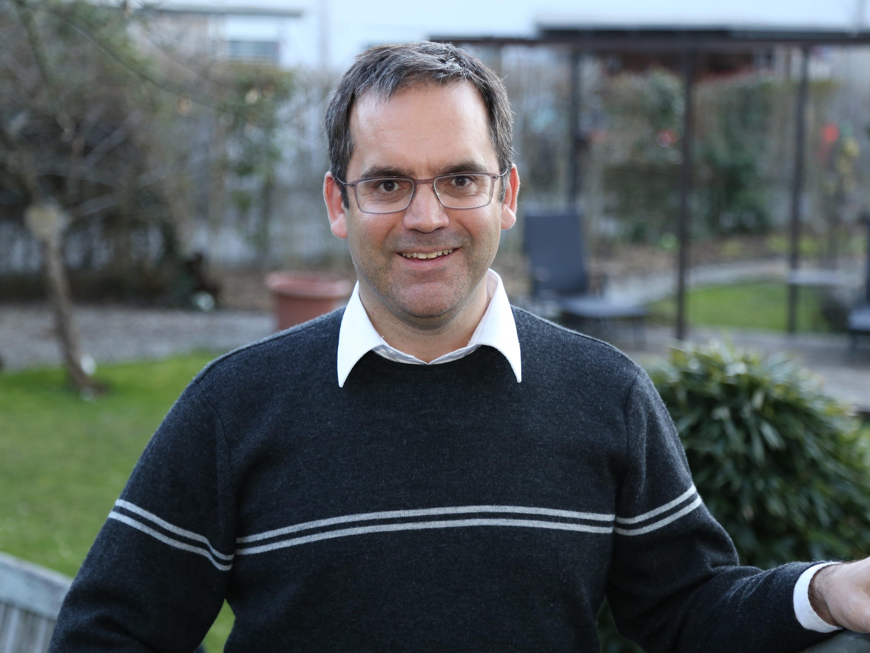 Ortsvorsteher Peter Stieger lobt die Vereine in Gisingen, die sich unermüdlich für ihren Nachwuchs einsetzen.
