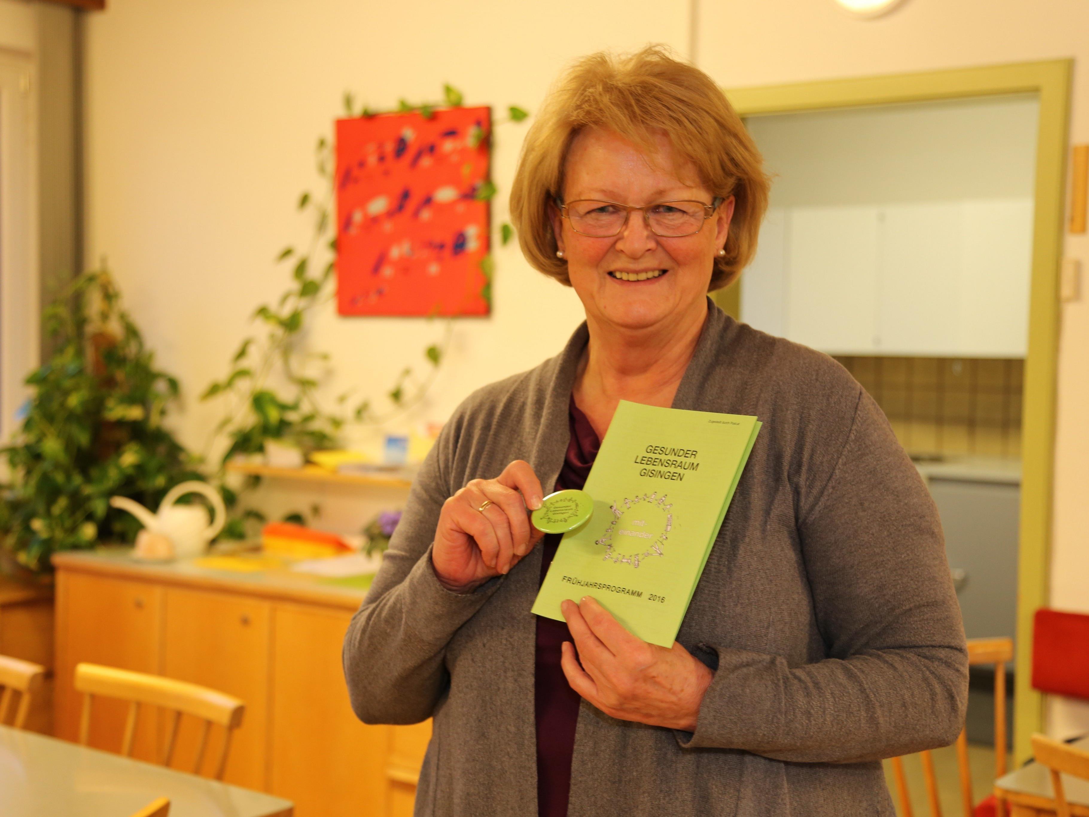 Friedl Haueis koordiniert die Besuchsdienste für das Haus Gisingen.