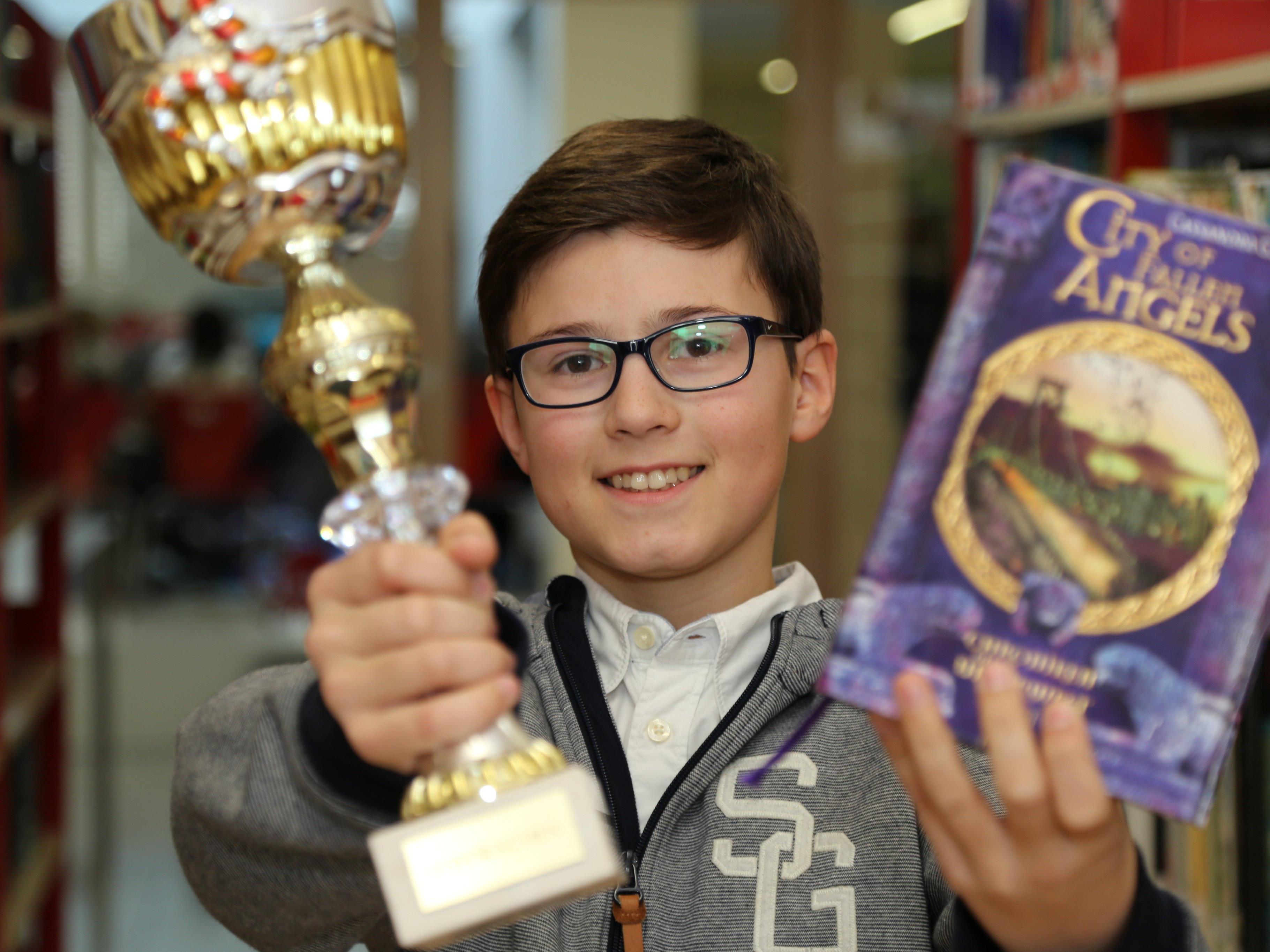 Emanuel Lins holte sich zum dritten Mal in Folge den ersten Platz des Lesewettbewerbs.