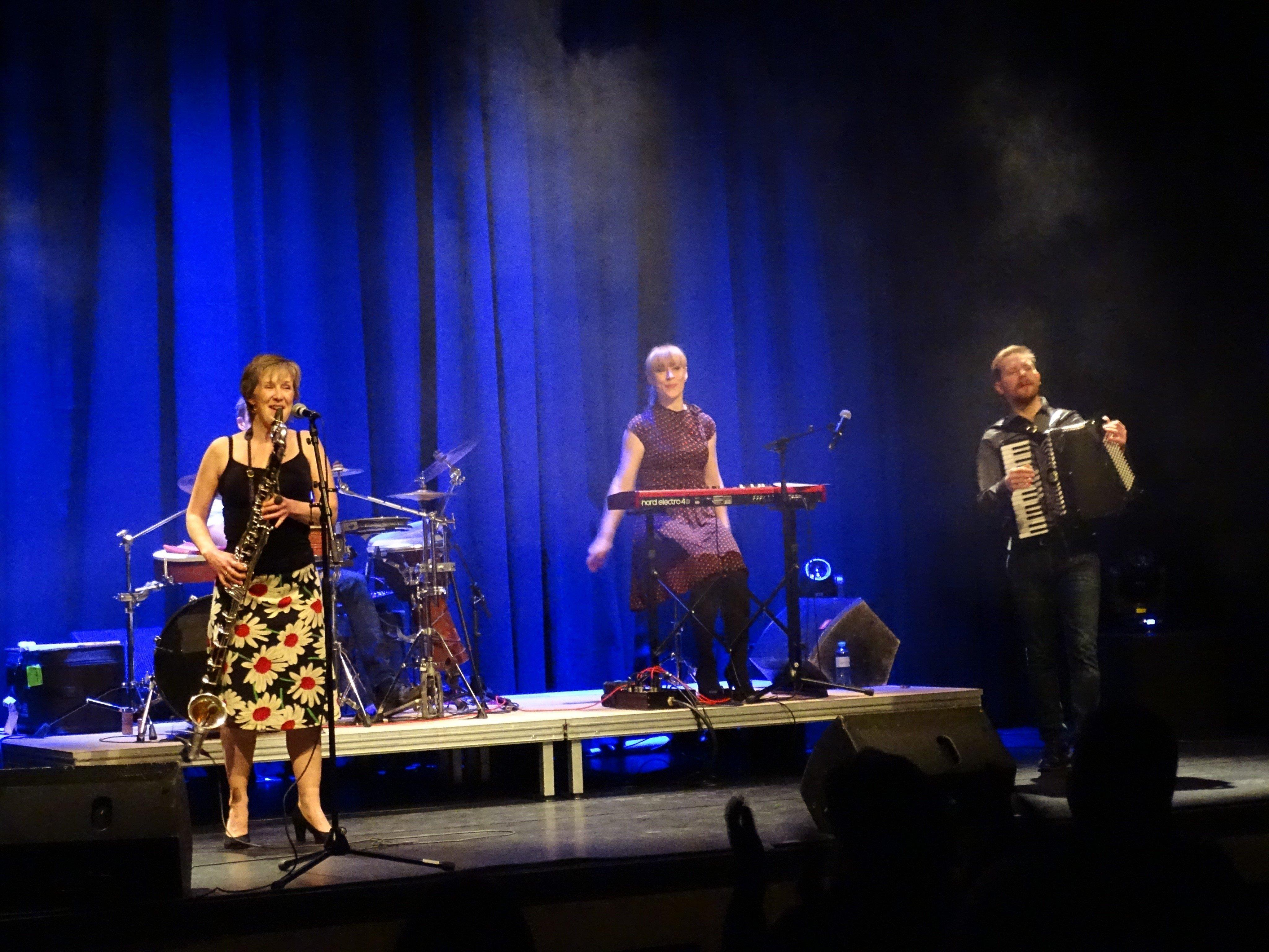 """Die dänische Folk-Band """"Phønix"""" brachte den musikalischen Frühling nach Bludenz."""