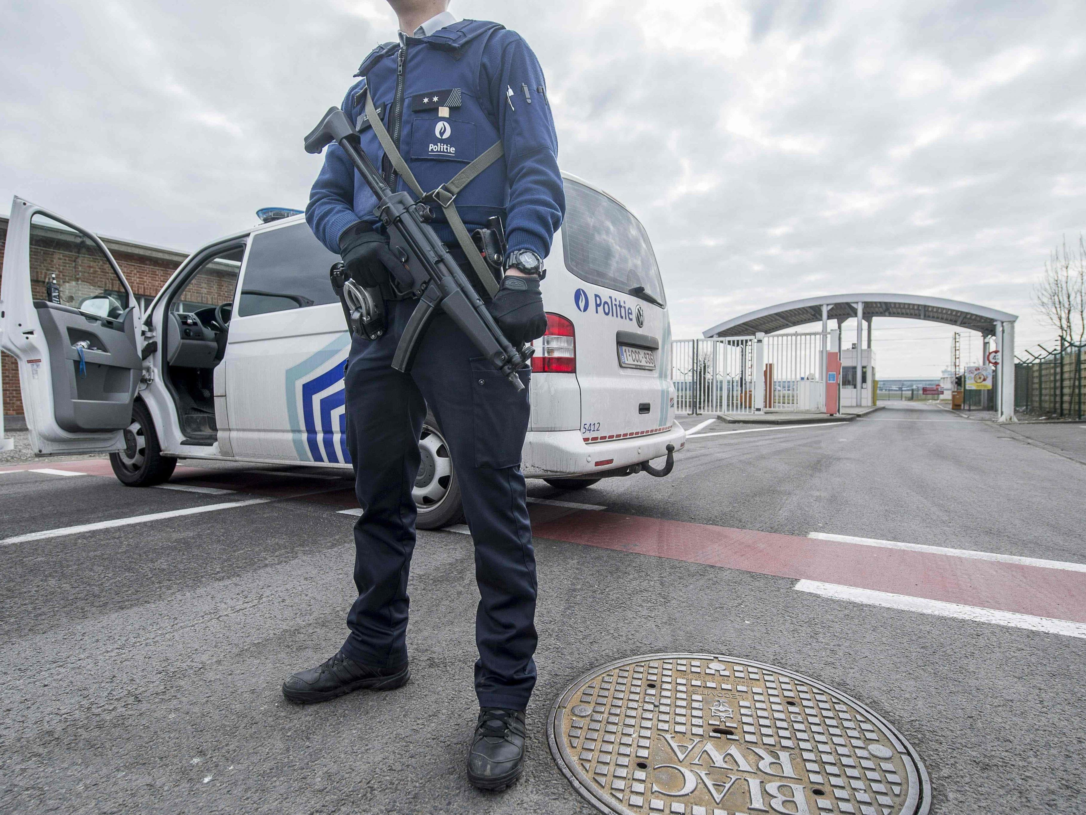 Belgien steht still: Höchste Terrorwarnstufe in Brüssel nach Anschlägen.