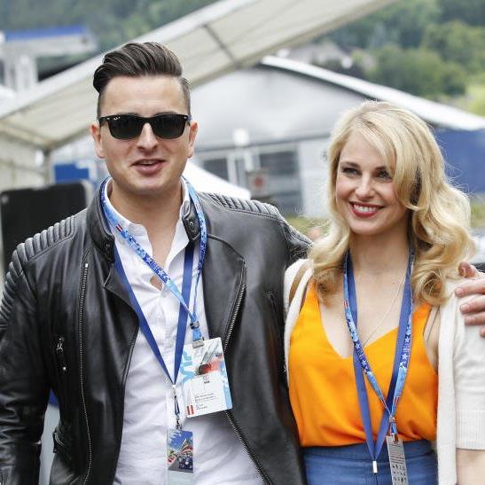 Andreas Gabalier mit Freundin Silvia Schneider.