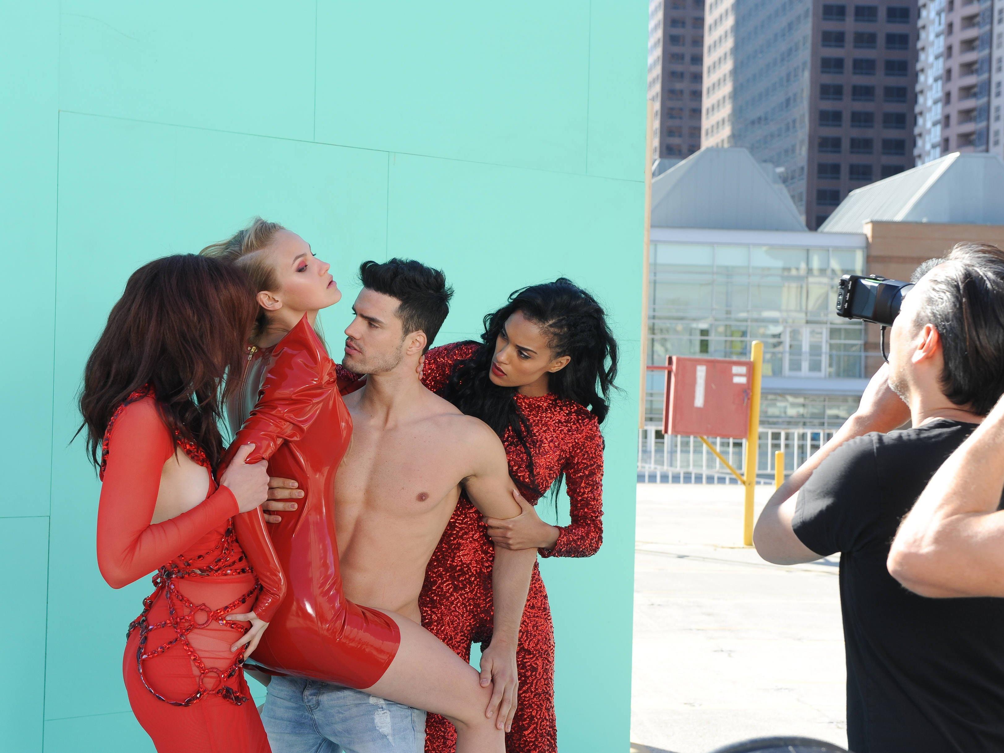 Mit Männermodel Gil ist Jasmin nicht ganz warm geworden.