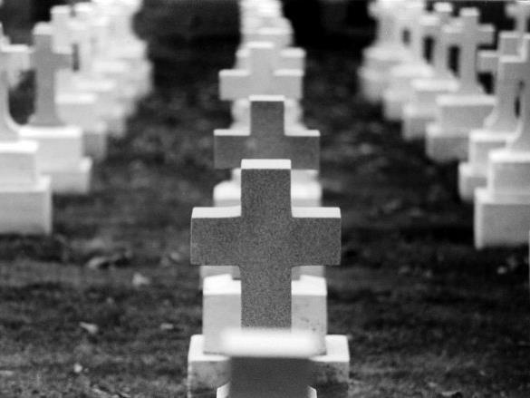 Vor 25 Jahren beerdigt und noch nicht verwest. Sog. Wachsleichen auf Vaduzer Friedhof entdeckt.