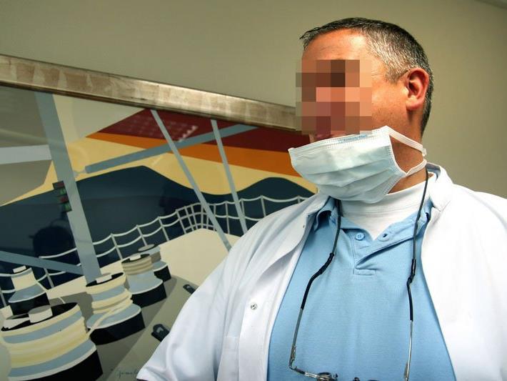 """""""Zahnarzt des Horrors"""": Niederländer soll Eingriffe bei mehr als hundert Patienten verpfuscht haben"""