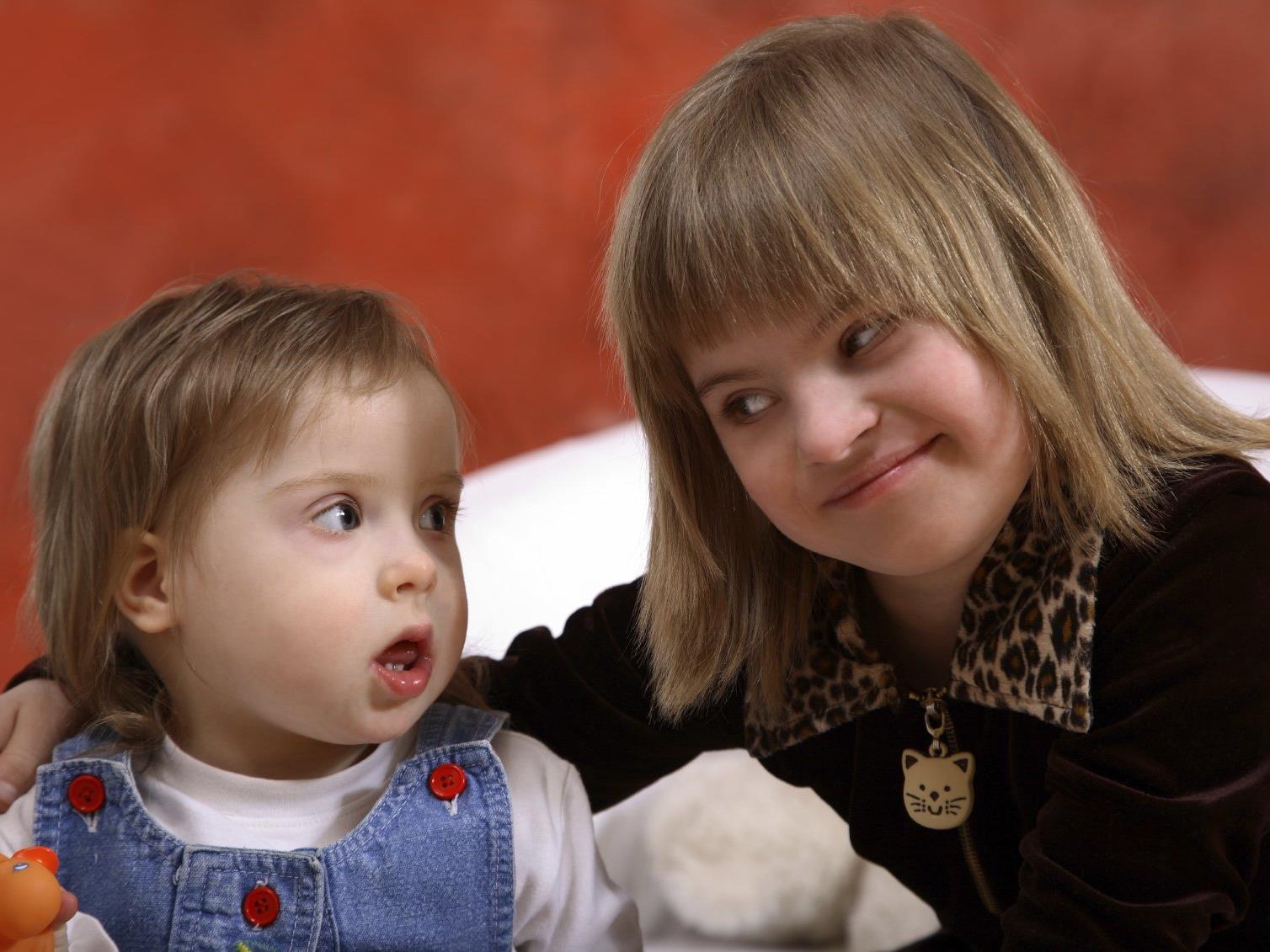 Kinder mit Down-Syndrom können von klein auf in ihrer Entwicklung gefördert und unterstützt werden.