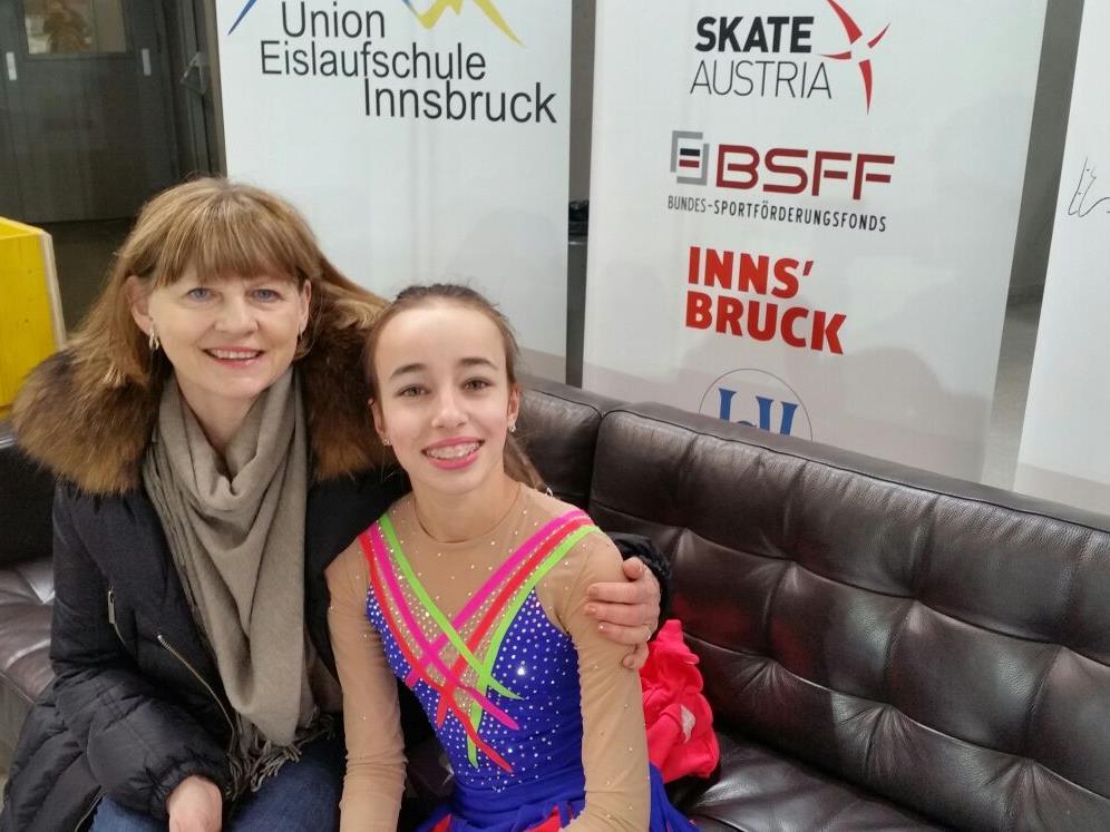 Julia Andrade mit Trainerin Elena