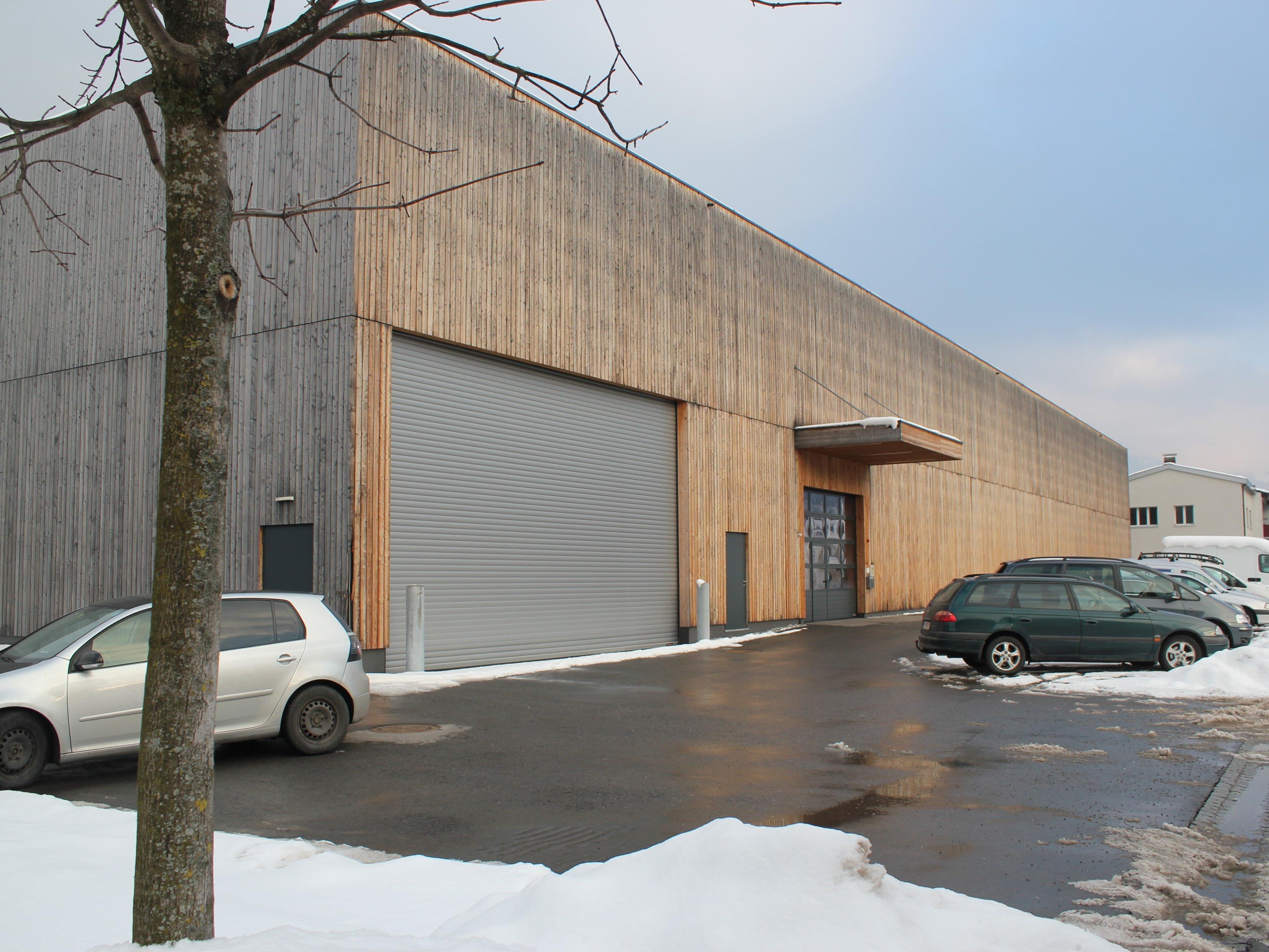 Die leerstehenden Lagerhallen in der Klarenbrunnstraße wurden zum Notquartier für Flüchtlinge umgebaut.