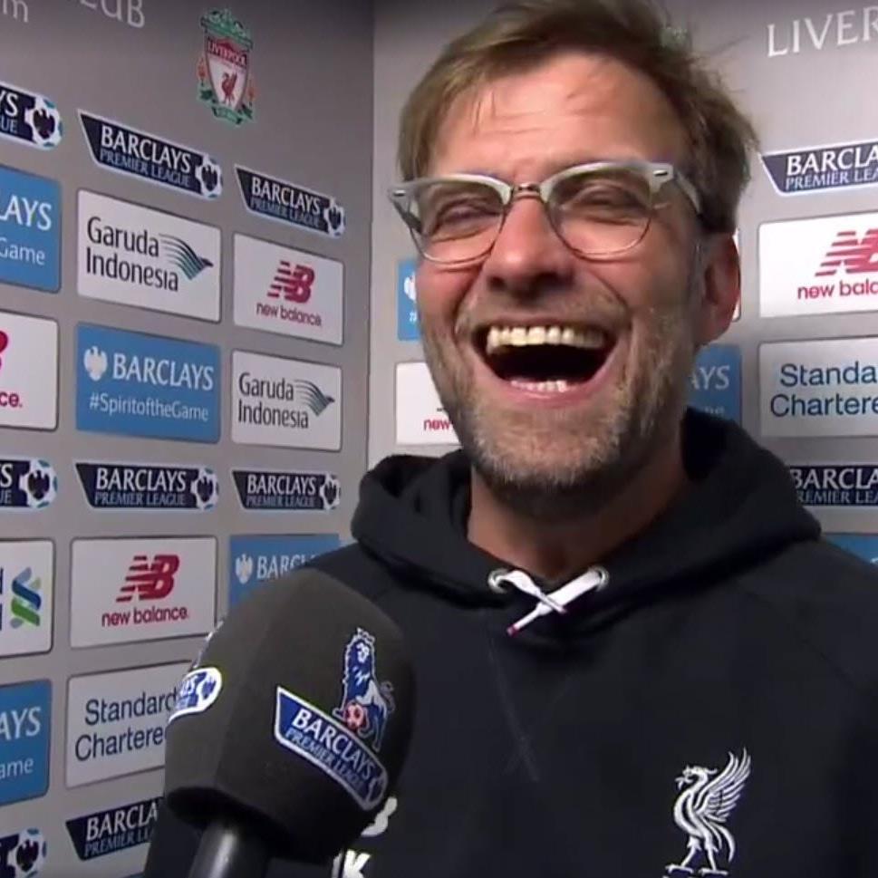 Registriert auch in Liverpool eine Bayern-Niederlage: Jürgen Klopp.