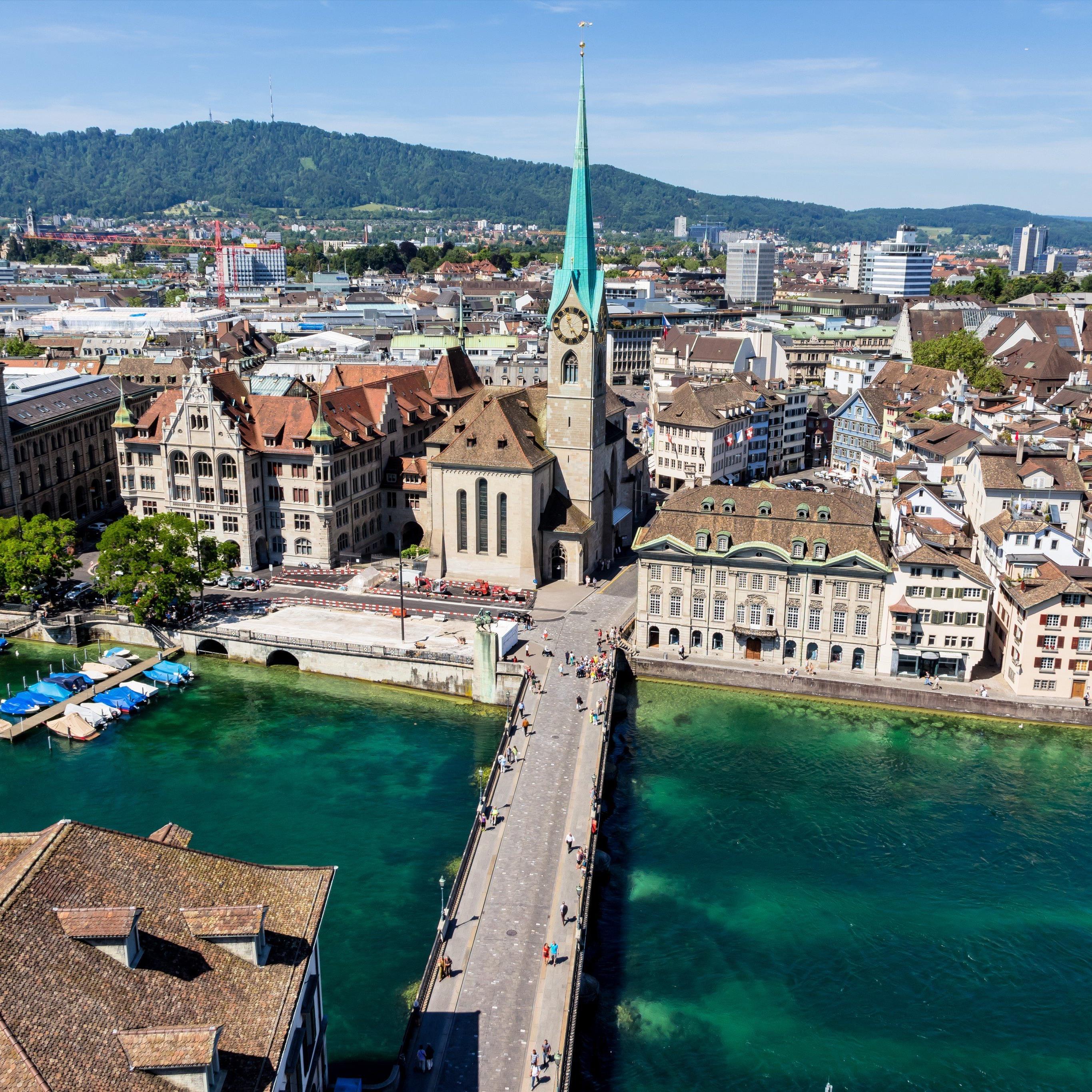 Die starke Schweizer Währung hat Zürich in einer neuen Rangliste zur zweitteuersten Stadt der Welt gemacht.