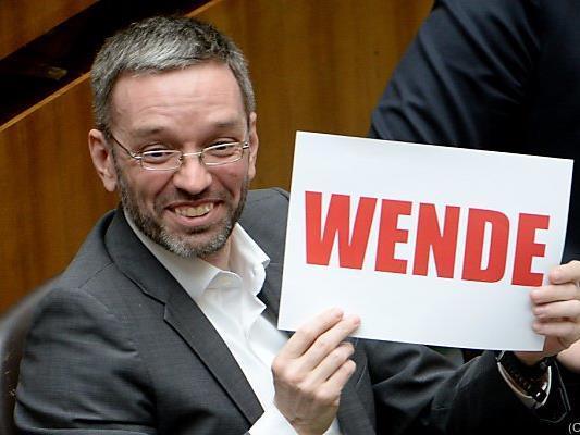 FPÖ-Generalsekretär Kickl freut sich