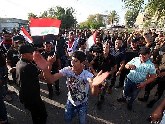 Al-Sadrs Anhänger protestierten in Bagdad