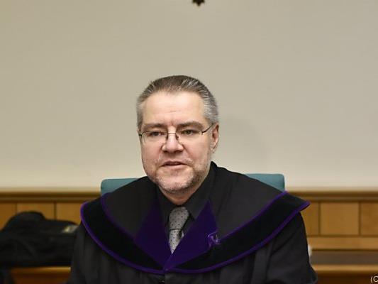 Richter Stefan Erdei leitet den Prozess