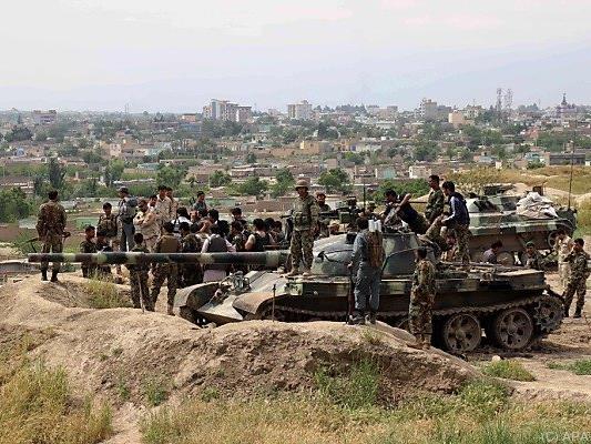 Die Sicherheitskräfte gehen in 18 Provinzen gegen die Taliban vor