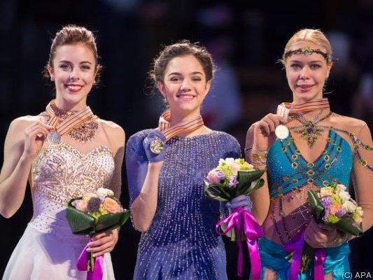 Die erfolgreichen Damen mit ihren WM-Medaillen