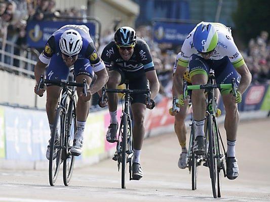 Hauchdünne Entscheidung im Velodrome von Roubaix