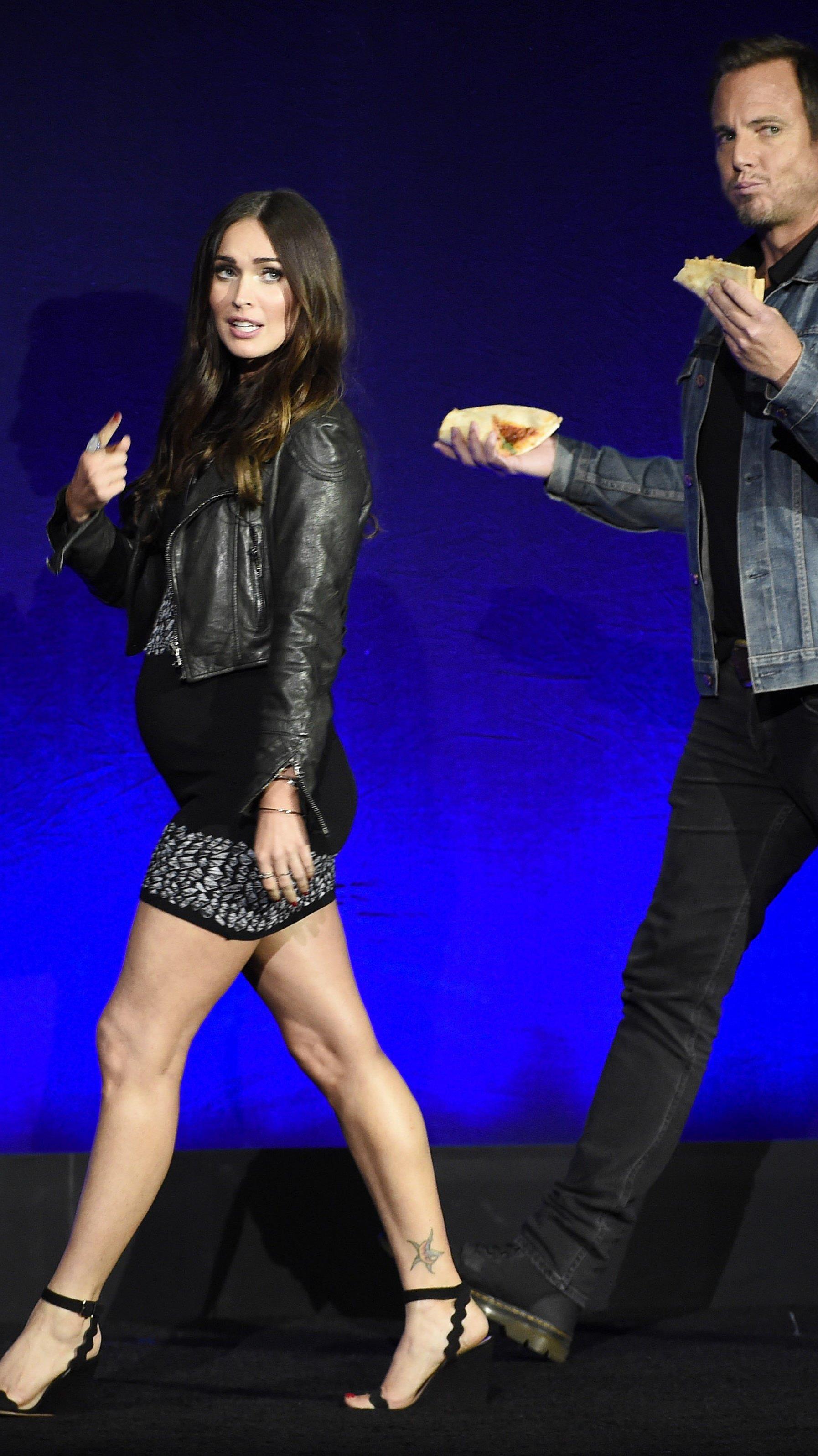 Der Babybauch von Megan Fox ist kaum zu übersehen.