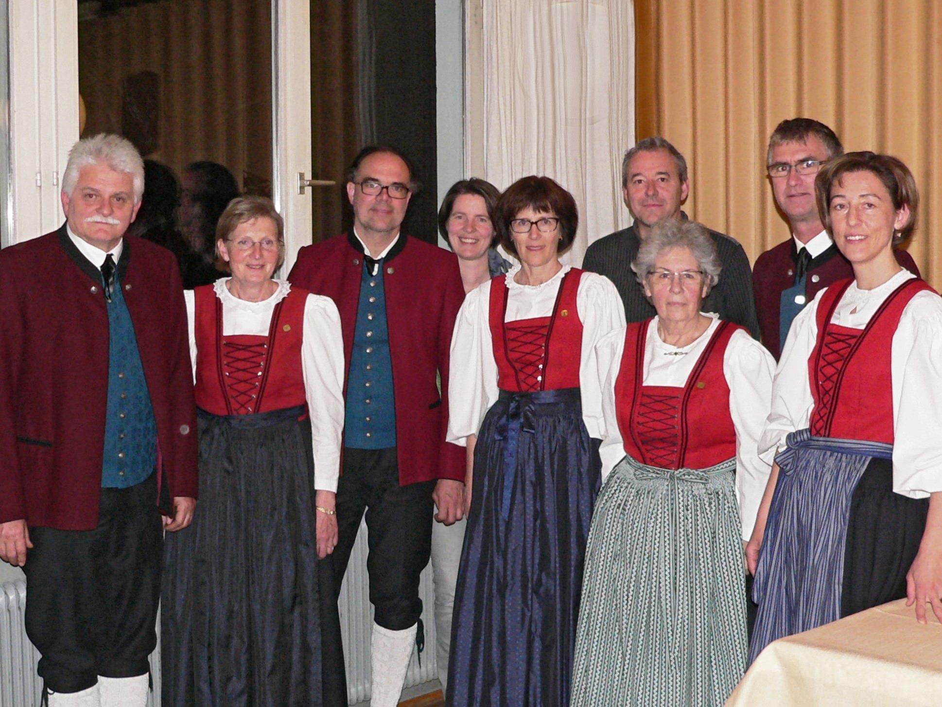 Der bisherige und wieder gewählte Vorstand der Trachtengruppe der Stadt Feldkirch.