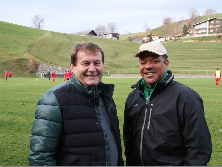 Sportlich ist in Langenegg alles im Griff: Eric Orie und Raimund Steurer