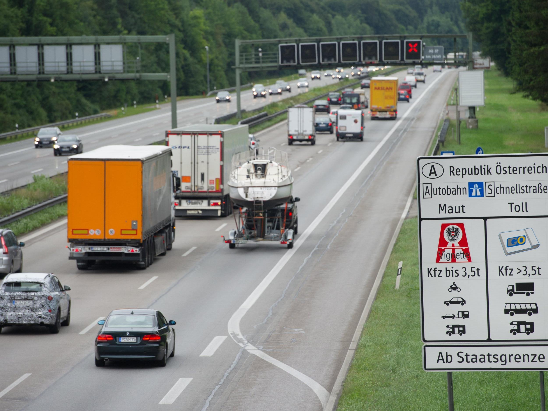 Derzeit werden Lkw nur auf Autobahnen und Schnellstraßen bemautet.