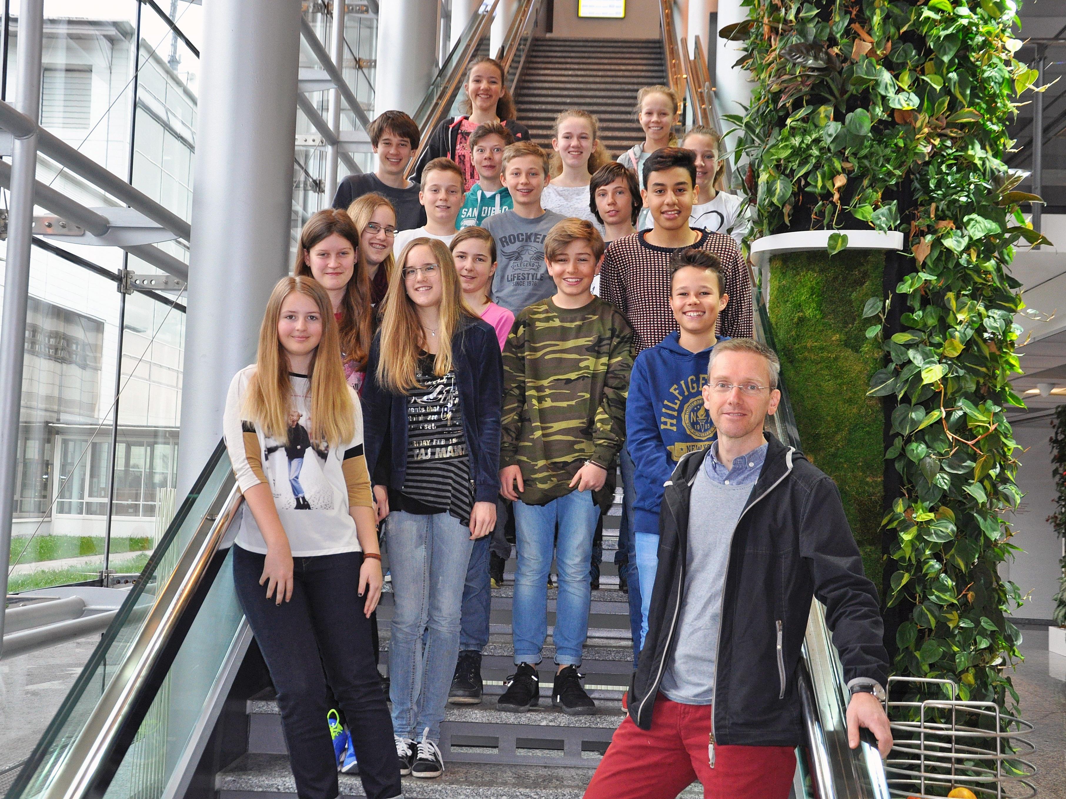 Die Schüler der 3r2 und der 3r3 hatten viel Spaß bei ihrem Besuch bei Russmedia.