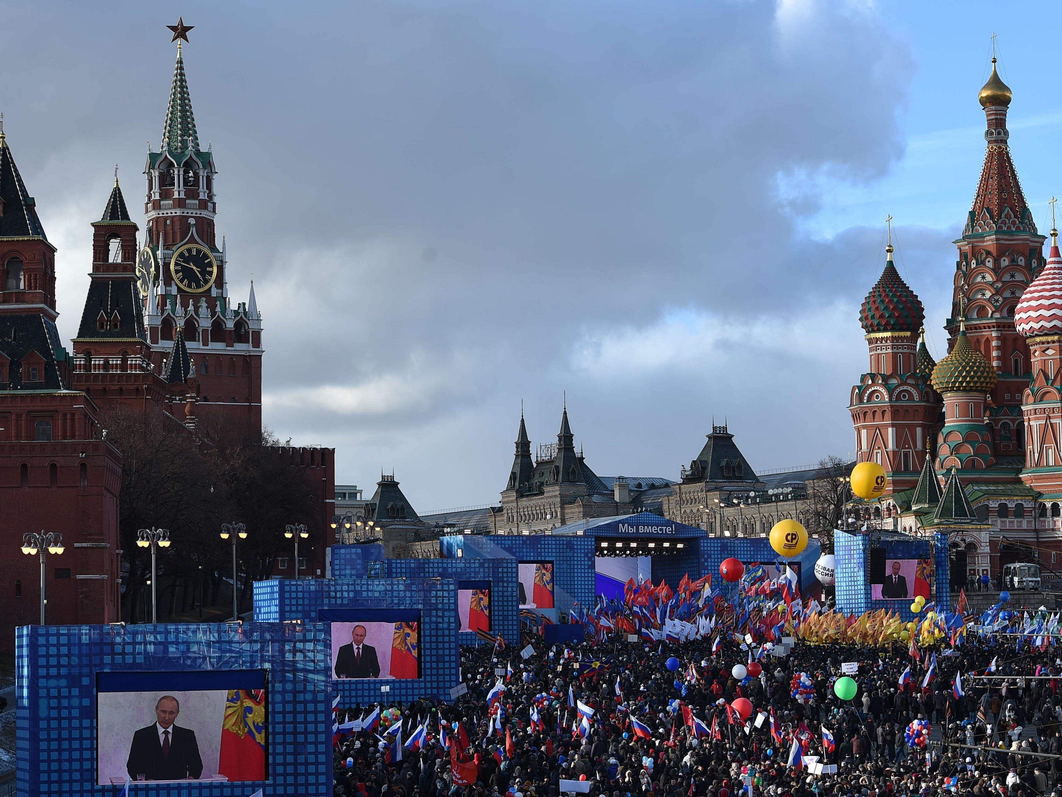 Putins Vertraute bei Enthüllungen dabei.