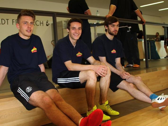 """Spieler des Teams """"Reisegger"""" beim Fußballtennisturnier in der Oberau."""