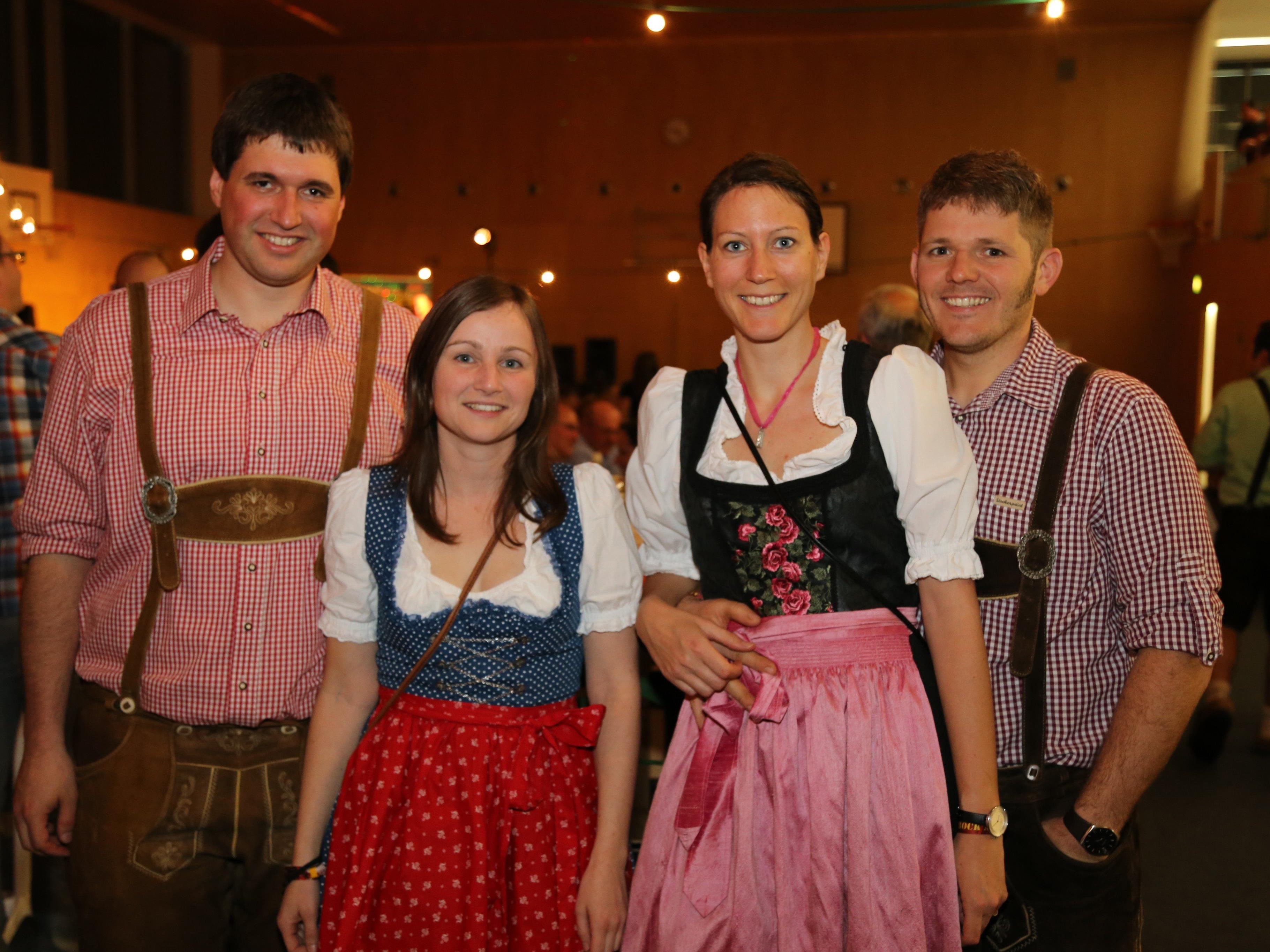 Rund 200 Gäste stürmten die Turnhalle in Tosters um beim zweiten Bockbierfest dabei zu sein.