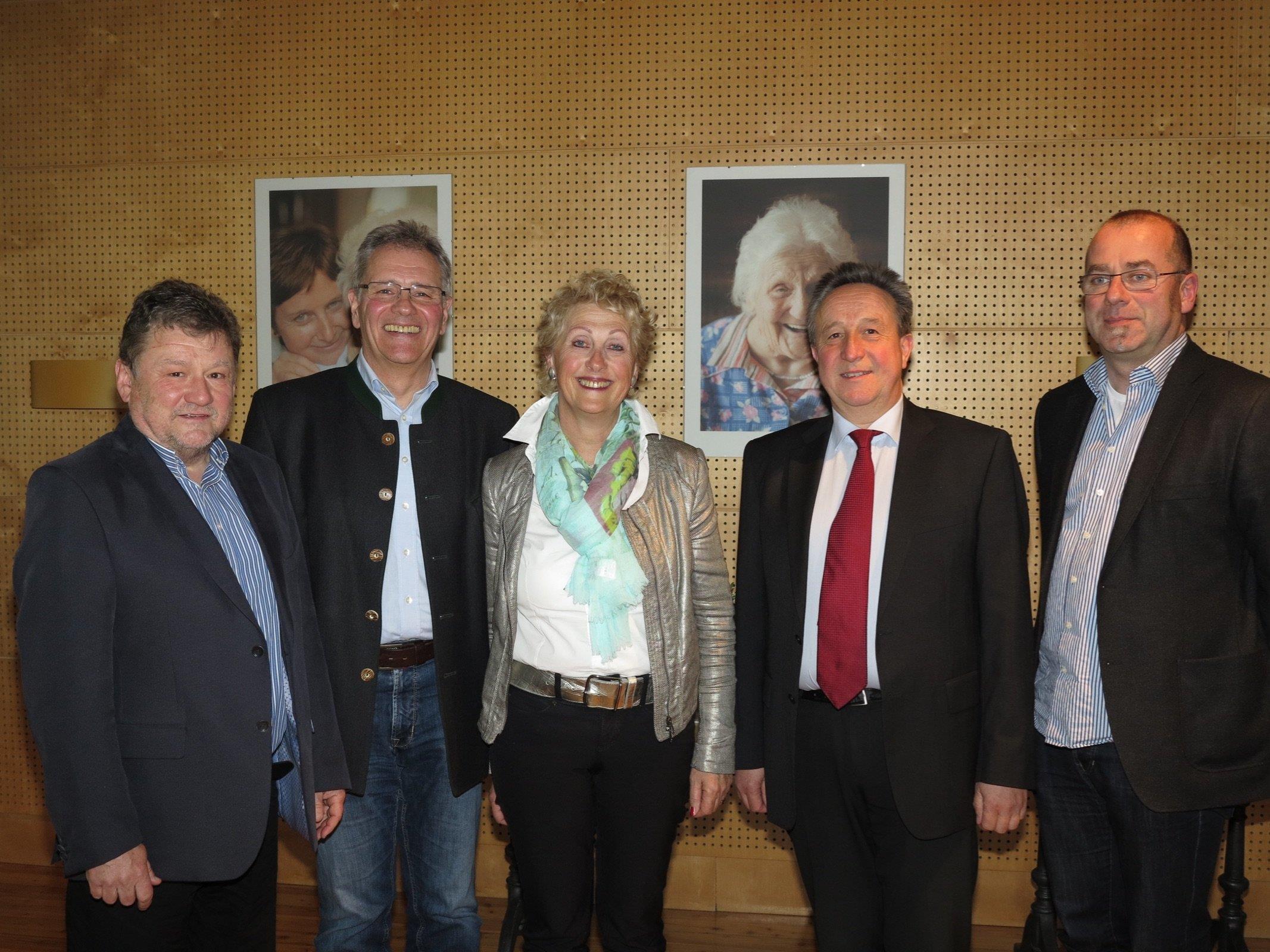 Kassier Josef Güfel, Obmann BR Edgar Mayer, Kitty Hertnagel, Landesobfrau der Arge MOHI, Sozialstadtrat Guntram Rederer und GF Wolfgang Breuss.