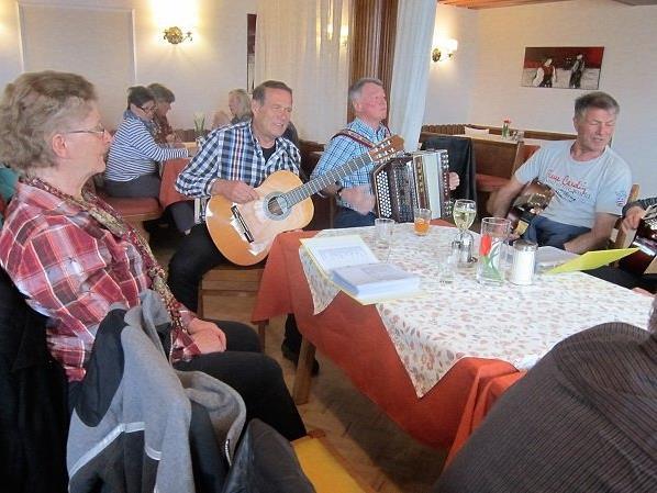 PVÖ Mittel- und Hinterwald beim Bergfrühstück
