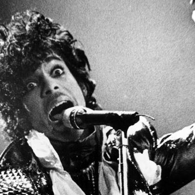 """Mit dem ambitionierten Doppel-Album """"1999"""" und Tanzflächenfegern wie dem Titelsong oder """"Little Red Corvette"""" kam 1982 der Durchbruch."""