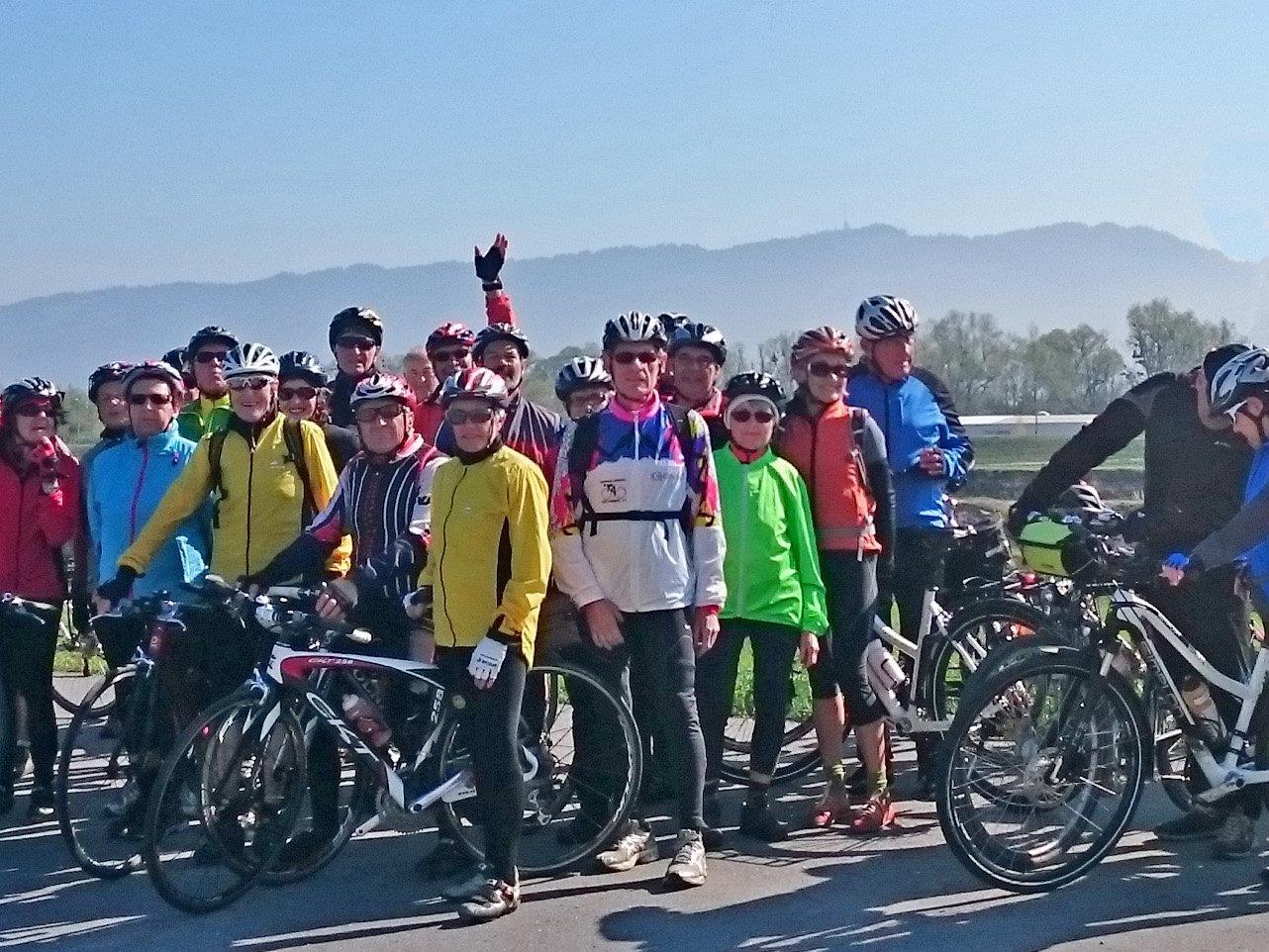 Radteam per pedales beim Einradeln im Rheindelta