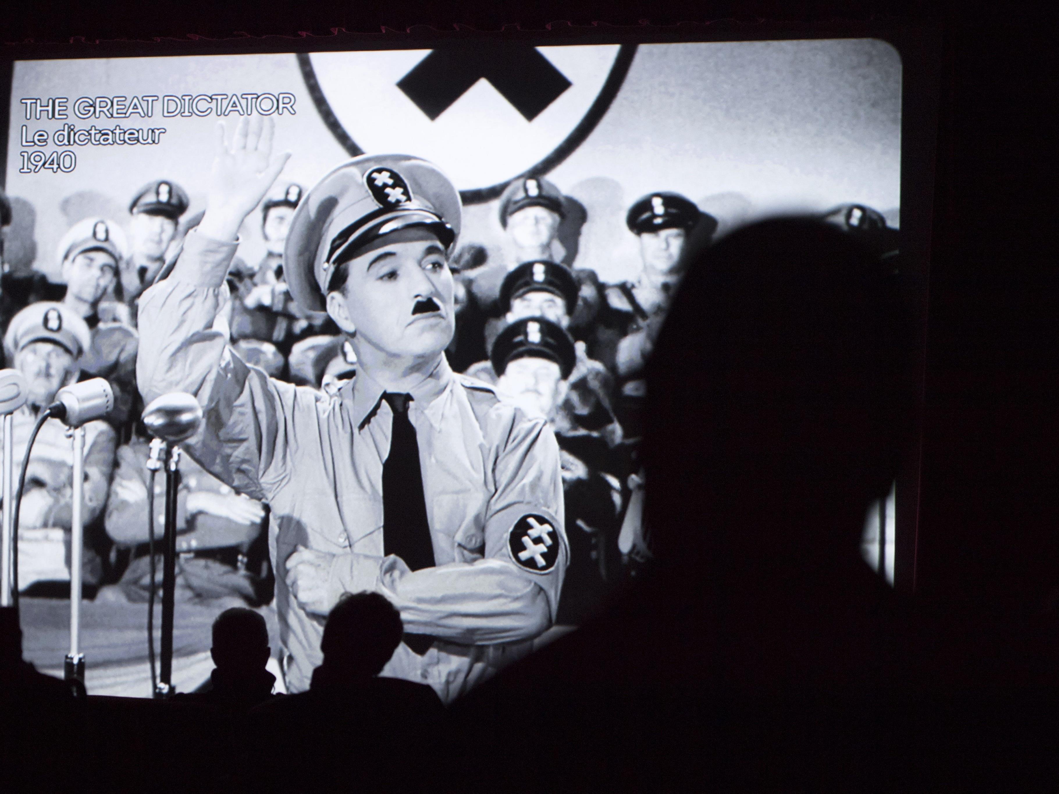 US-Regierung habe Komiker lange an Hitler-Satire gehindert.