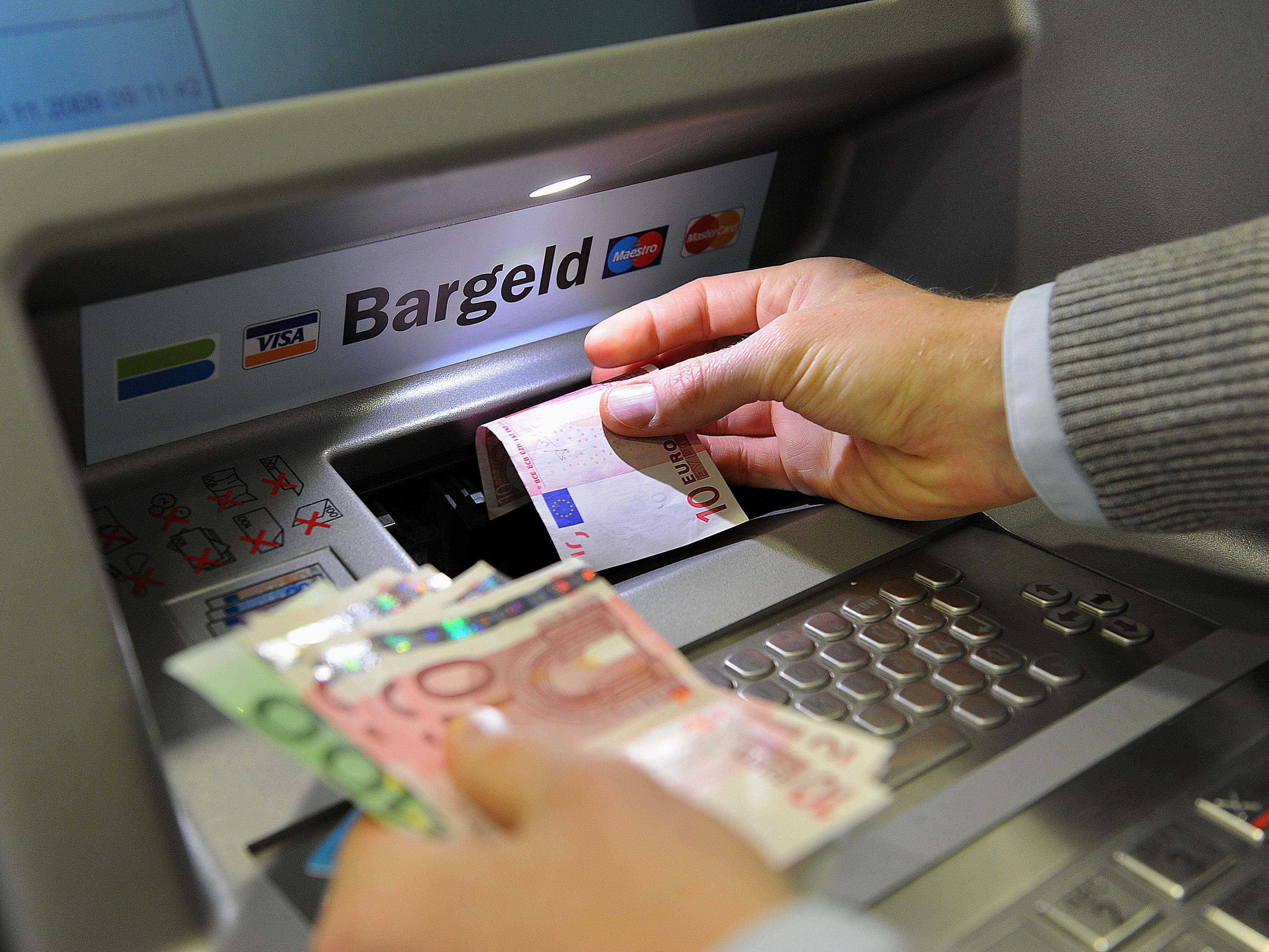 Bislang ist es (fast) bei jeder Bank in Österreich möglich, an Bargeld zu kommen, ohne dafür extra zahlen zu müssen.
