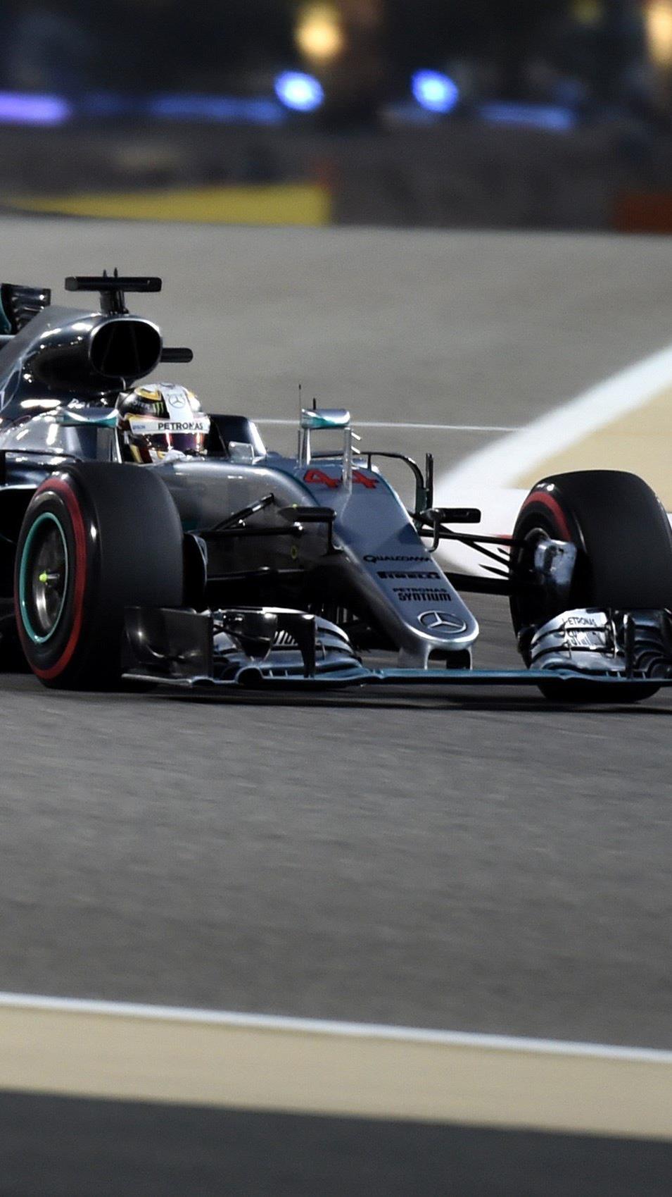 Lewis Hamilton könnte in Bahrain zum dritten Mal in Folge gewinnen - als erster überhaupt.