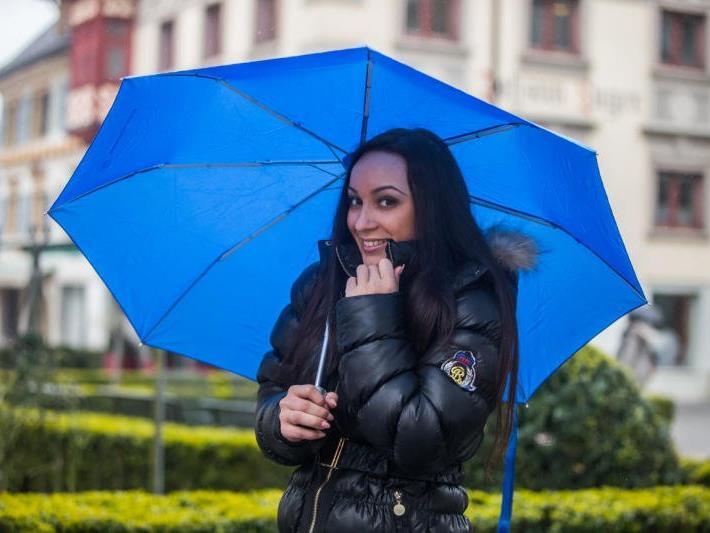 Am Wochenende könnte der Regenschirm zum ständigen Begleiter werden