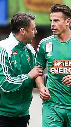 v.l. Trainer Zoran Barisic (SK Rapid Wien), Stefan Schwab (SK Rapid Wien) am Sonntag beim Spiel