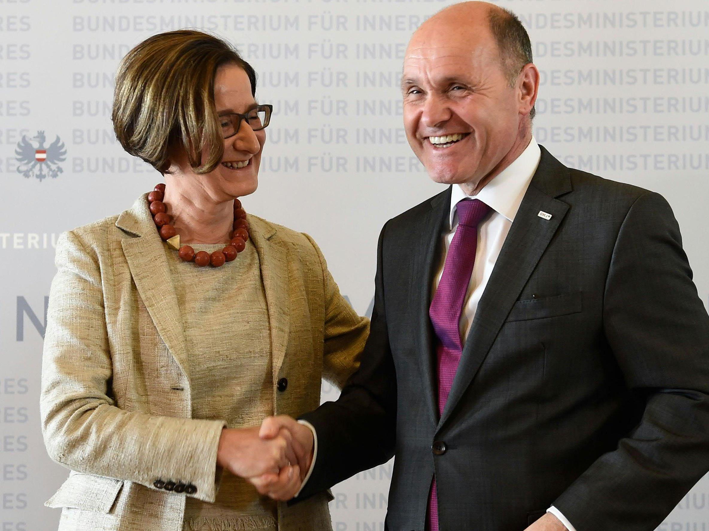 ÖVP-Rochade: Mikl-Leitner geht nach NÖ zurück, Sobotka kommt von dort ins Innenministerium.