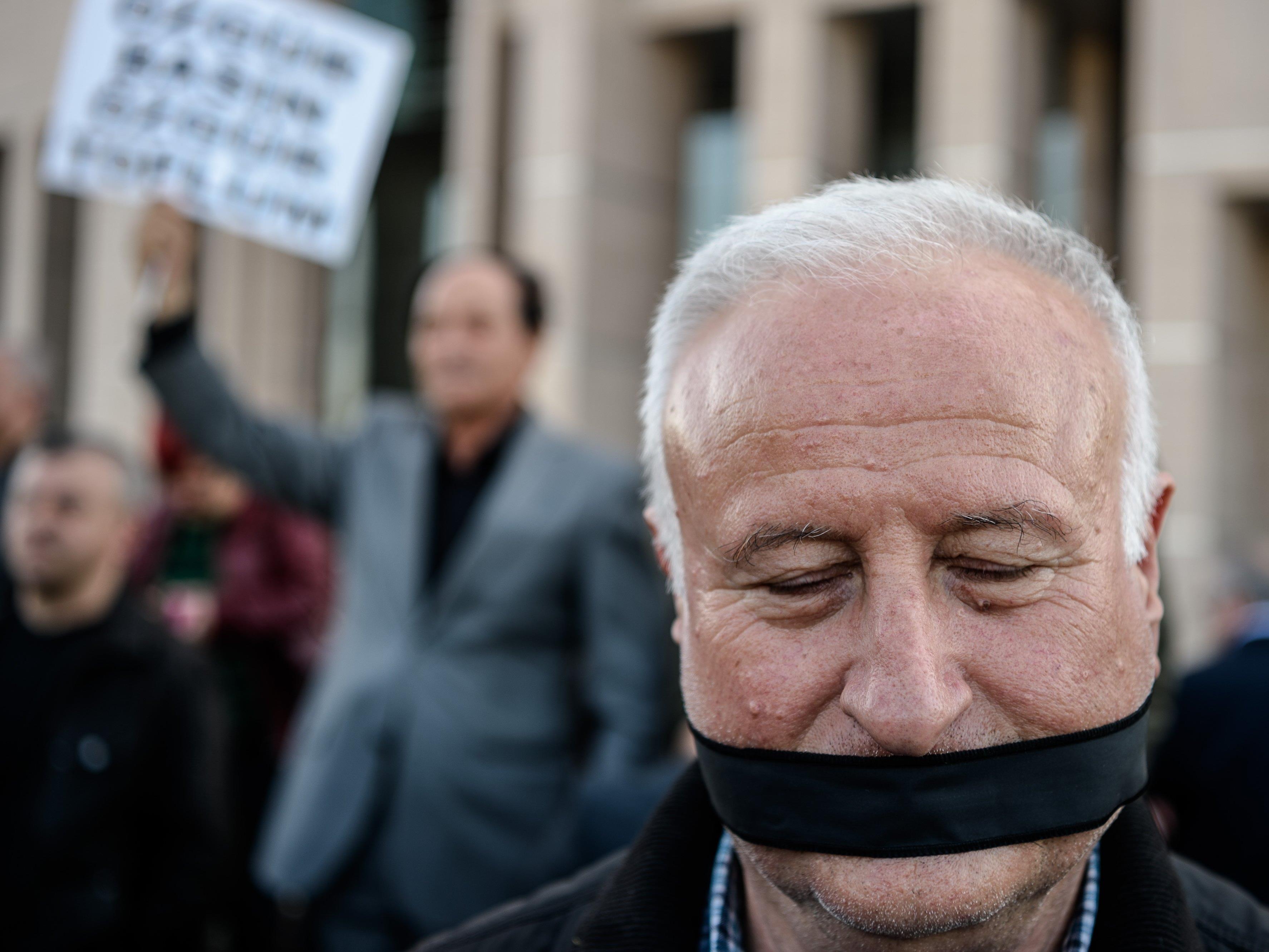 Oppositionelle Veröffentlichungen stehen immer mehr unter Druck.