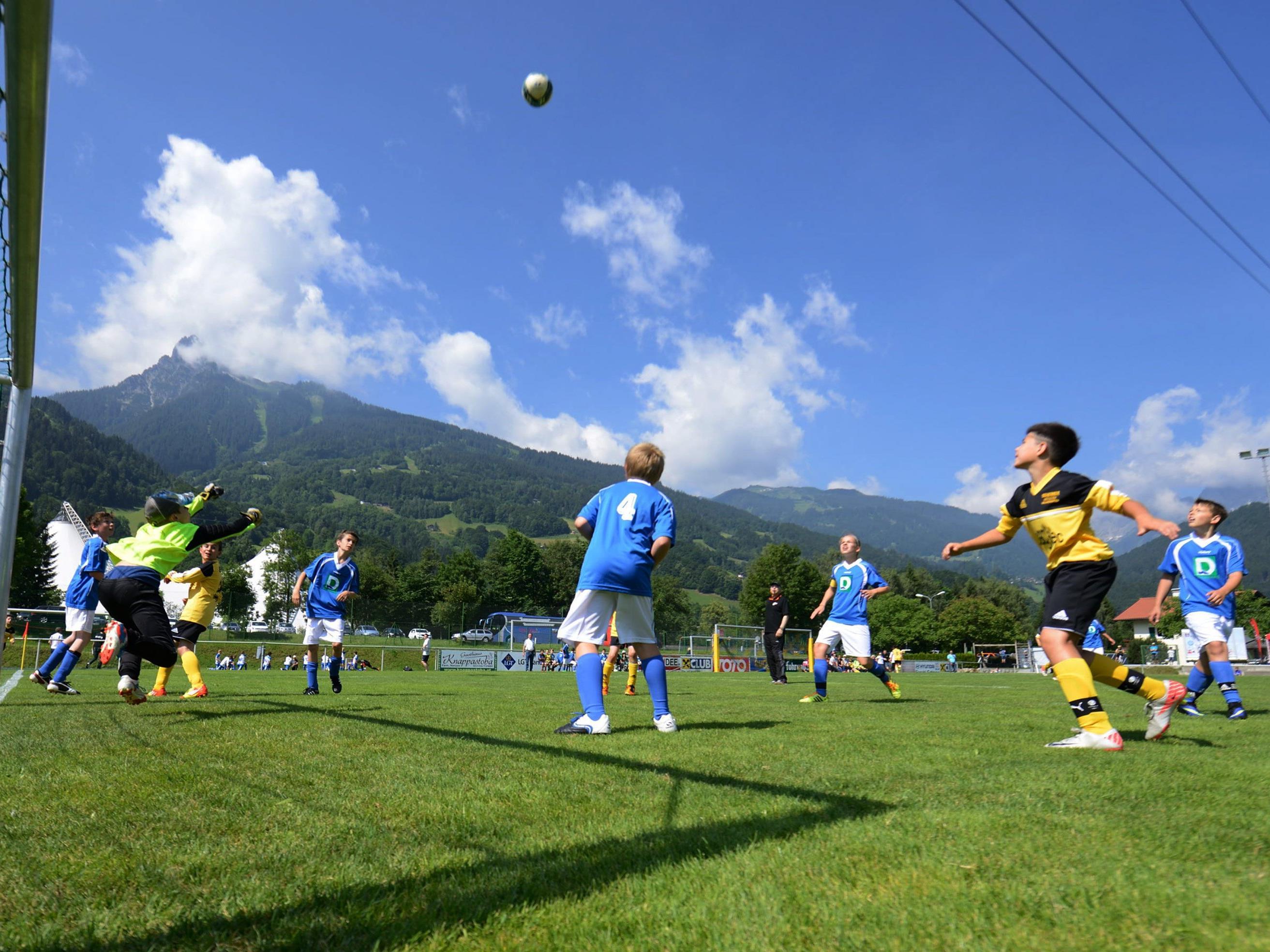 Internationaler Fußball-Nachwuchs aus sechs Nationen ist von 26. bis 29. Mai 2016 im Montafon zu Gast.