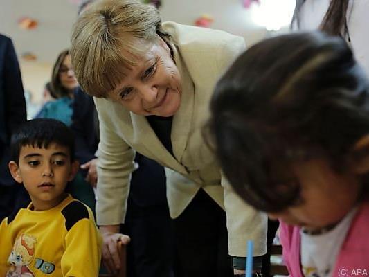 Die deutsche Bundeskanzlerin besuchte das Camp im April